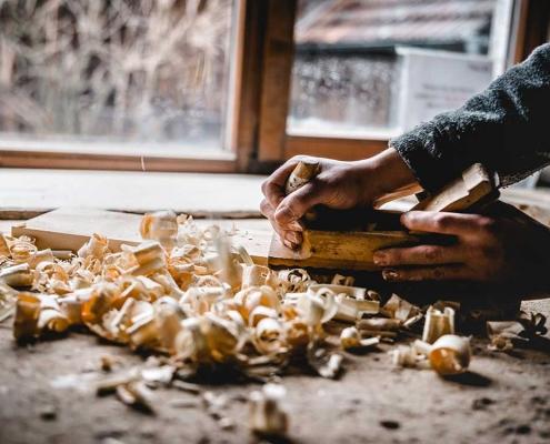 Tischlerei Thaller - Holz hobeln